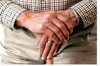Как лечить суставы рук народными средствами сустав скрипит болит